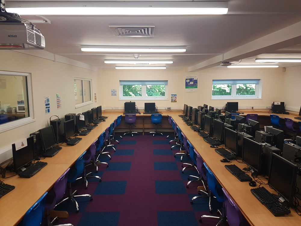 Marpool Primary School LED lighting project – Exmouth